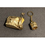 CROWN KEYRING AND GOLDEN PURSE